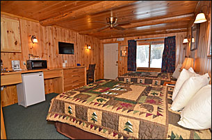 grand-pines-motel-room-42